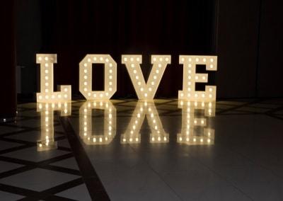 Napis LOVE Suwałki